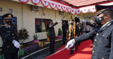 Kenaikan Pangkat Pengabdian dan Wisuda Purna Bhakti Personil Polres Luwu Timur.